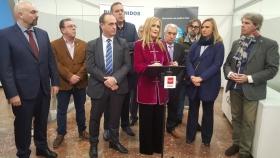 Cristina Cifuentes reitera desde Gremial su apoyo al sector del taxi de Madrid